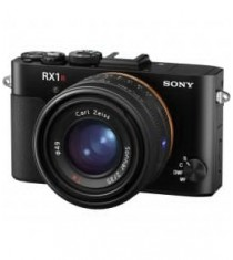 Sony Cyber-Shot DSC-RX1R II Digital Camera (Black)